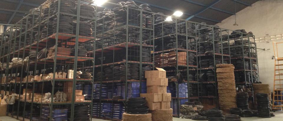Gudan pusat jual beli spare parts power transmission di Surabaya